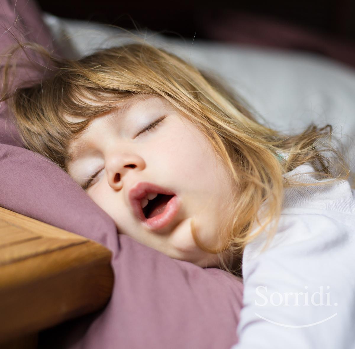 Apnee-notturne-bambini-adulti-Sorridi-magazine-il-dentista-risponde