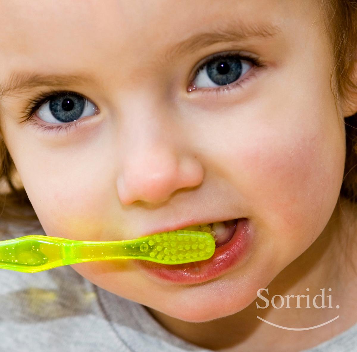 sorridi-ch-magazine-dentista-locarno-igiene-denti-bambini