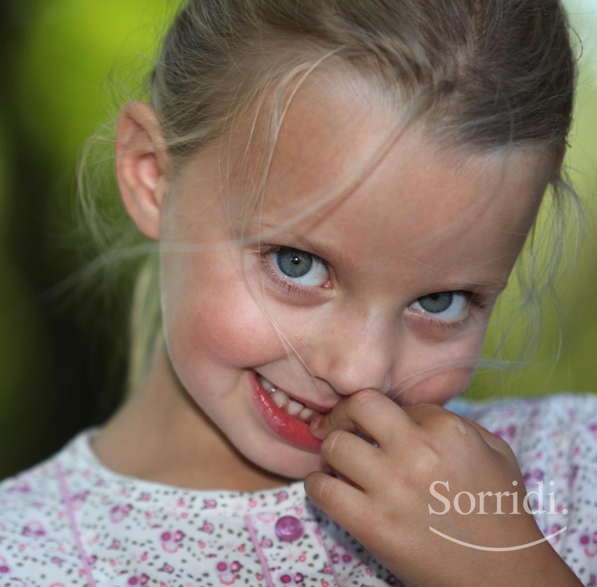 mordere-unghie--bambini-ch-magazine-dentista-locarno